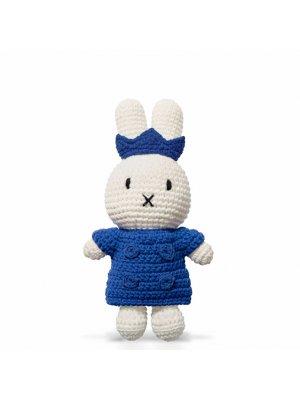 MIFFY Strickmiffy mit blauem Mantel und Krone handgemacht