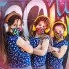 Maske-Kinder-Mund-Nase_alltagsmaske-feder-neon