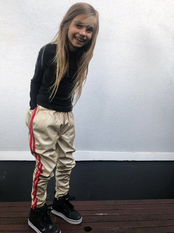 Christina-rohde-goldene-Lederhosen-Kinder