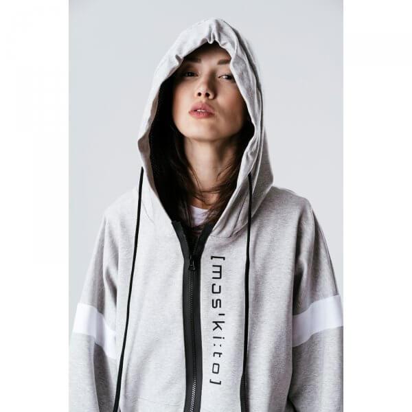 oversized-hoodie-teenager-frauen