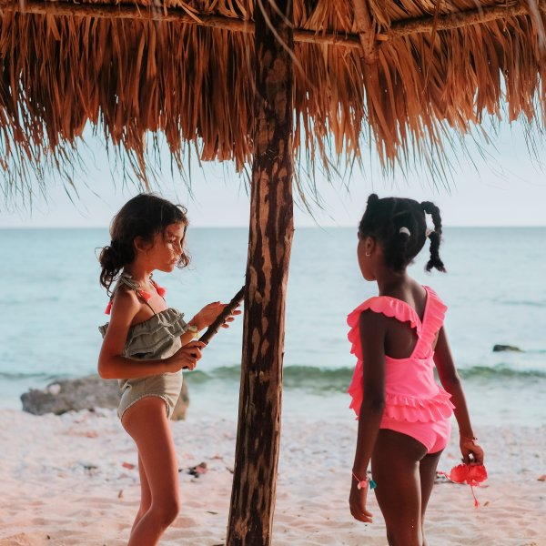 Louise Misha romantischer Kinder Badeanzug fluo pink 7