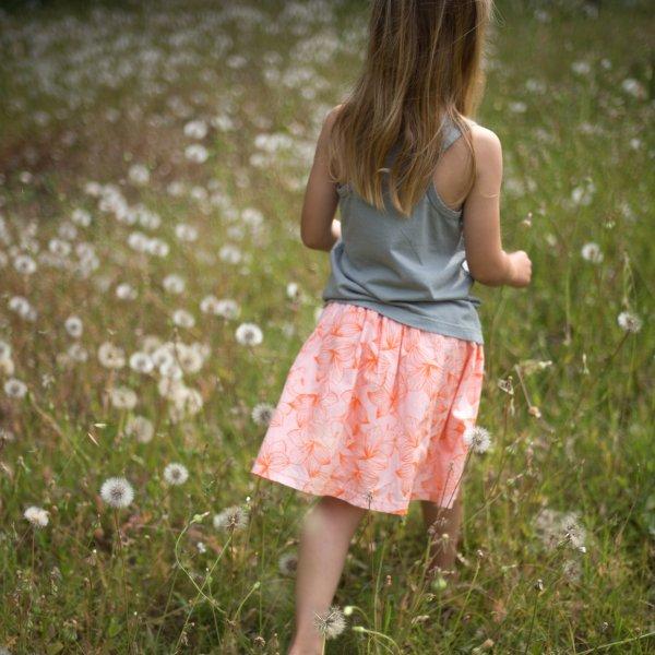 Picnick-Barcelona-Sommerrock-Blumen-Mädchen-2