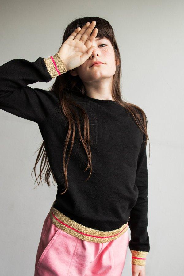 CHRISTINA ROHDE-schwarzer-Baumwollpullover-Mädchen-Dänische-Mode-teenie