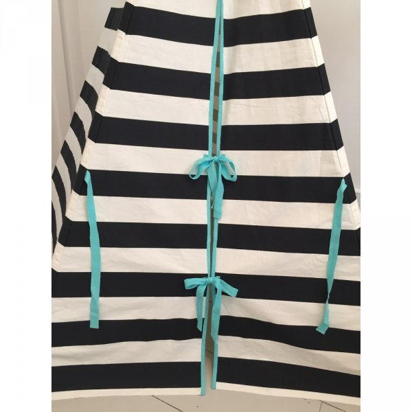 striped-teepee-black-white-detail