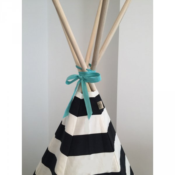 striped-teepee-black-white-top