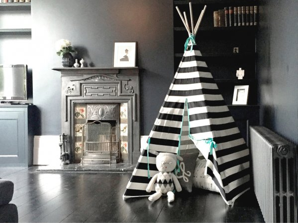 striped-teepee-black-white-wildfire