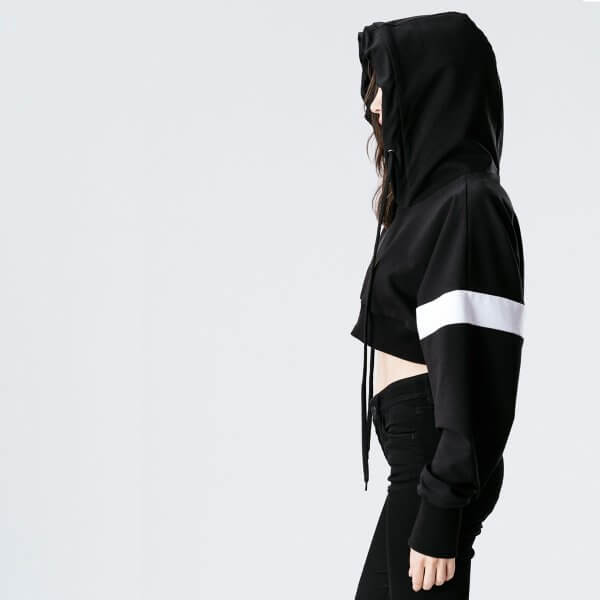 Kurz-hoodie-schwarz-teenager
