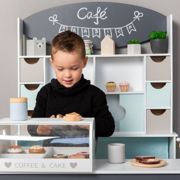 coffee-and-cake-musterkind-junge