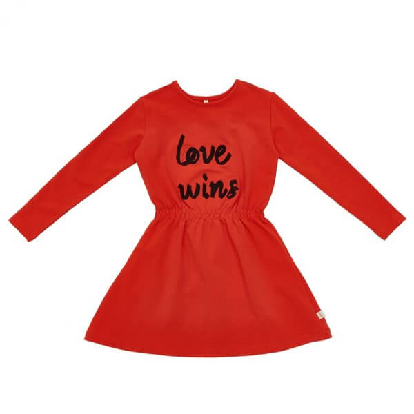 rotes Kleid, Mädchen, Love wins